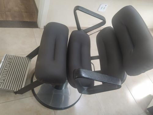 Cadeira Ferrante Barbeiro Cabeleireiro Usada