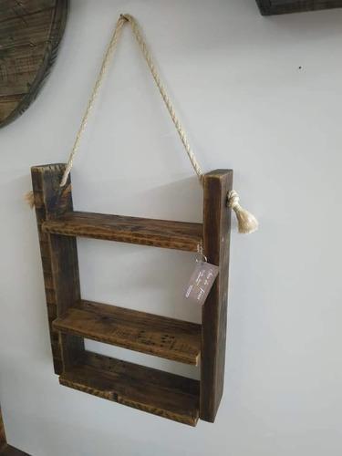 Imagem 1 de 5 de Móveis Decorativos De Madeira Sustentável