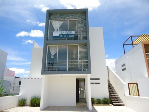 Renta Casa 4 Recamaras Semi Amueblada Zibata Cerca Anahuac
