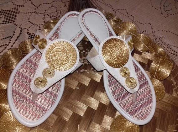 Sandália Com Detalhes Artesanal De Capim Dourado