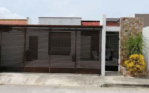 Casa Remodelada 2 Habitaciones En Las Américas Cerca Del Aki