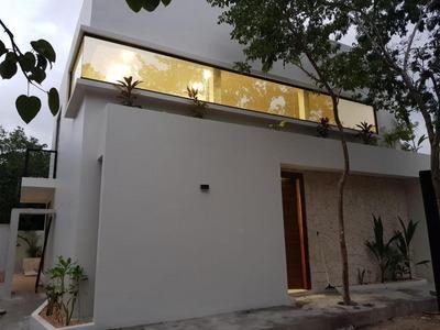 Casa De 3 Recamaras, 3 Baños Completos Y 1 Medio Baño