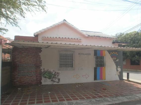 Casa Comercial En Venta. Las Mercedes. Mls 20-3724. Adl.