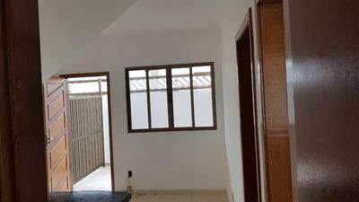 Casa Com 2 Dorms, Vila Mateo Bei, São Vicente - R$ 240 Mil, Cod: 11637 - V11637