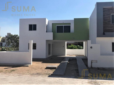 Pre- Venta De Casa En Conjunto Habitacional 18 De Marzo, Cd. Madero.