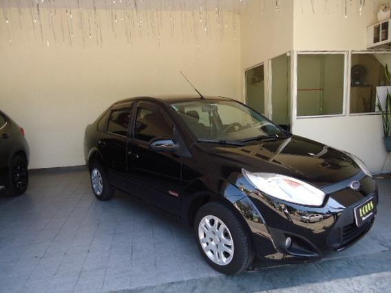 Fiesta 1.6 Class Sedan