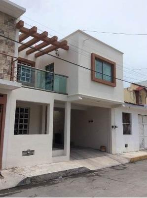 Se Vende Casa En Retorno A Laguna Azul Norte