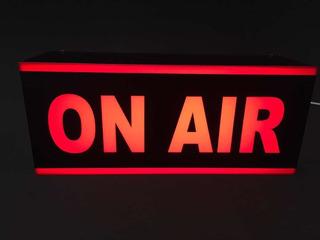 Cartel Luminoso, Radio Y Televisión, On Air