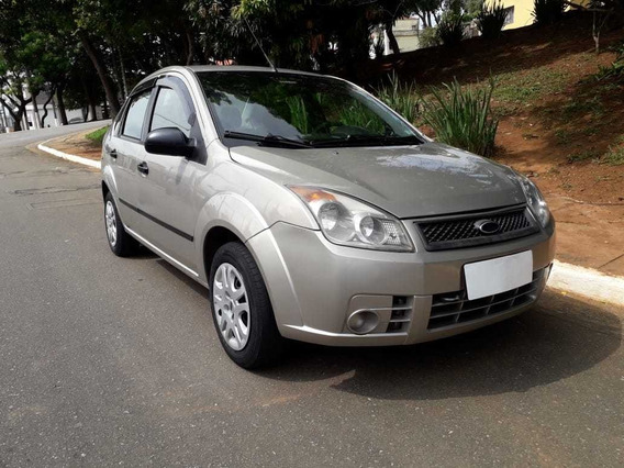 Ford Fiesta Sedan 1.0 Flex 2008