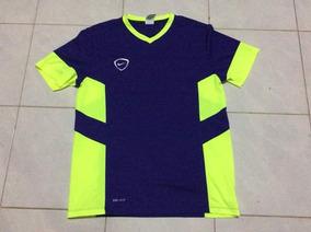 Playera Nike Talla L Logo Retro N Under Armour Puma adidas