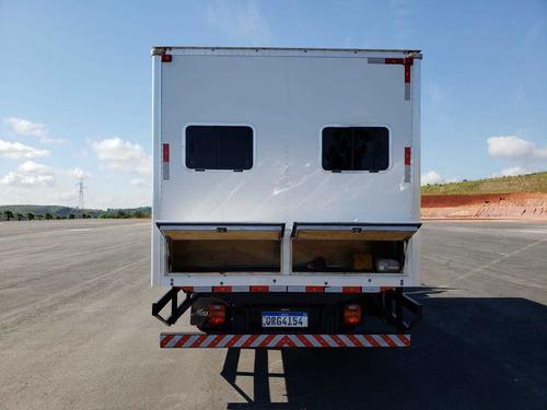 6 Unidades F 4000 4x4 Cabine Suplementar 16 Passageiros 2019