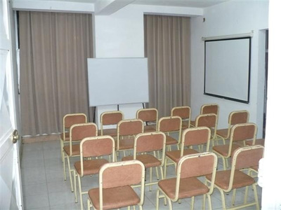 ¡¡aulas Y Sala De Conferencia En Alquiler!!