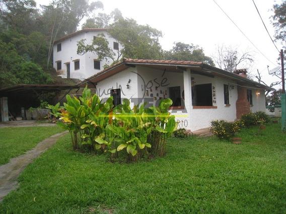 Casa Familiar En Mérida Las Carmelitas, Vía Jají. Ejido