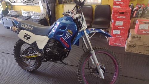 Imagem 1 de 11 de Yamaha Dt 200