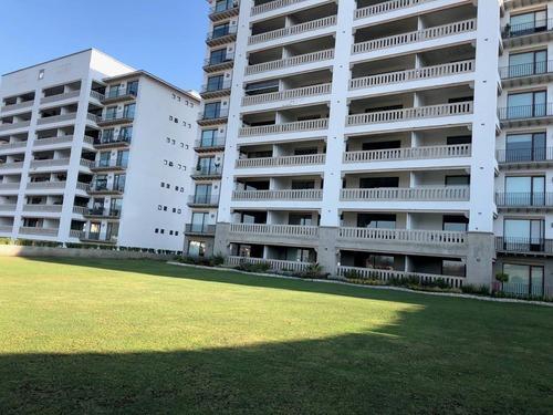 Renta Departamento Zona Esmeralda Con Terraza