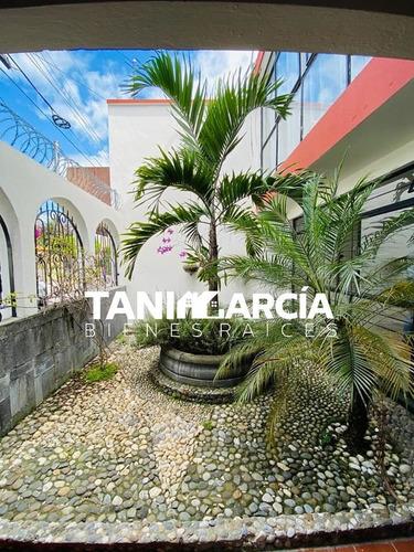 Imagen 1 de 14 de Casa Amplia En Alameda Cerca De Plaza Cristal Cordoba