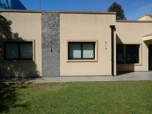 Imagen 1 de 8 de Casa A Estrenar En Villa Del Plata