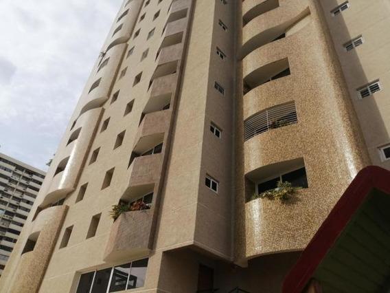 Apartamentos En Alquiler Milagro 20-3769 Andrea Rubio
