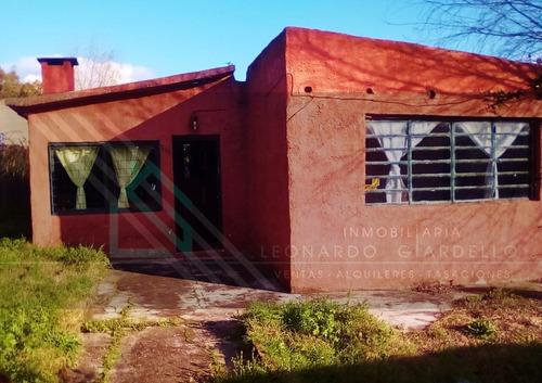Linda Casa Con Patio Y Garage