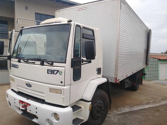 Cargo 1317/09 Branco Toco Com Baú