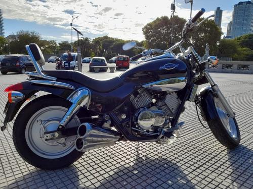 Kymco Venox 250 (moto Chopera)
