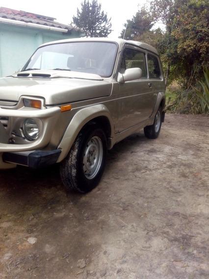 Lada 2002 Fora
