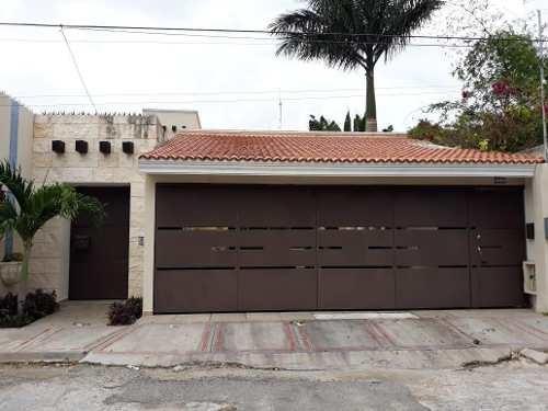 Casas En Renta Zona Norte A Una Calle Plaza Altabrisa,con Paneles Solares Y Piscina,merida Yucatan
