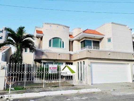 Residencia Con Alberca En Costa De Oro