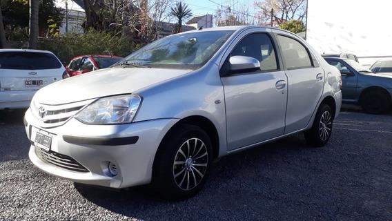 Toyota Etios Xs 4p 1.5 2014