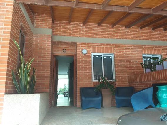 Tonwhouse En Curimagua Piedra Pintada