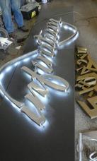 Letras Corporeas En Acero Inoxidable, Metal Pintado Y Mdf