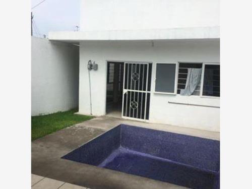 Imagen 1 de 10 de Casa Sola En Venta Villas Del Descanso