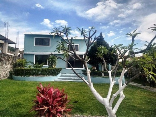 Rematoooo Casa Amplia 5 Recamaras Y 640m2 De Terreno Centro De Oaxtepec