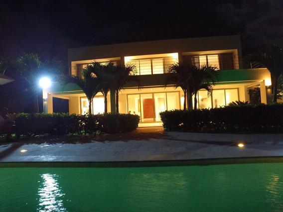 Lujosa Villa En Venta Amueblada - Playa Nueva La Romana