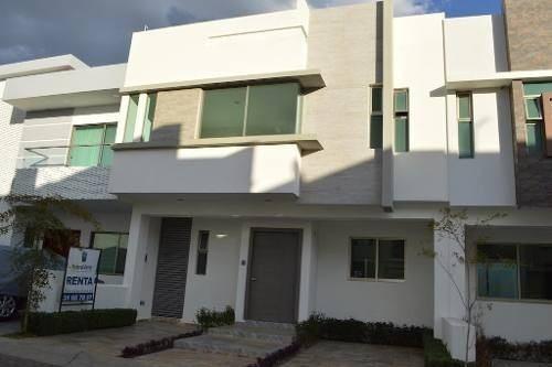 Casa En Renta En Fracc. Los Almendros, Zapopan