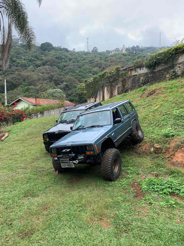 Jeep Cherokee 1998 4.0 Sport 5p