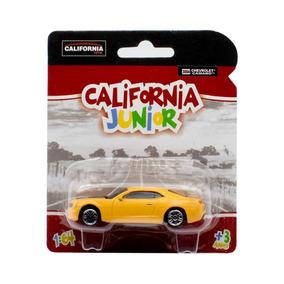 Miniatura Chevrolet Camaro California Junior Amarelo 1/64
