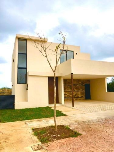 Villa En Paseo Country, Chablekal