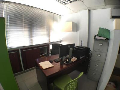 Oficina Comercial En Esperilla 20 Mts 2