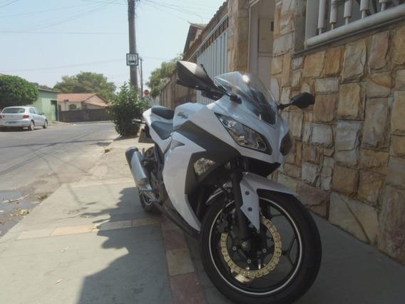 Kawasaki Ninja 300 Branca