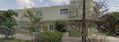 Casa Habitación Con Local Comercial Independiente.