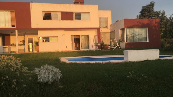 Importante Casa Quinta En Mendiolaza