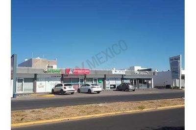 3 Locales Comerciales Marcados Con Los Num 1, 4, Y 5 Plaza Universo Fracc. La Conquista