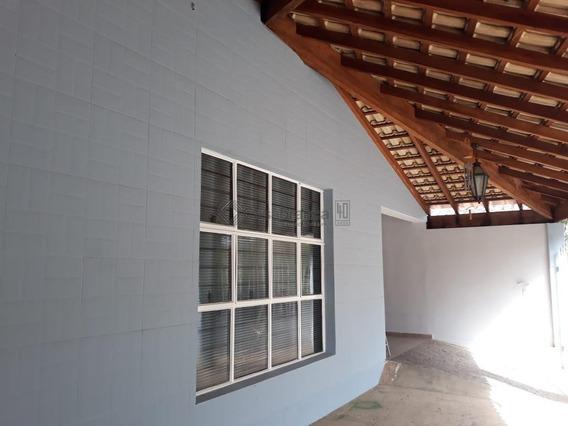 Casa Tipo Chácara Com 2 Dormitórios À Venda, 220 M² Por R$ 440.000 - Centro - Iperó/sp - Ca6155