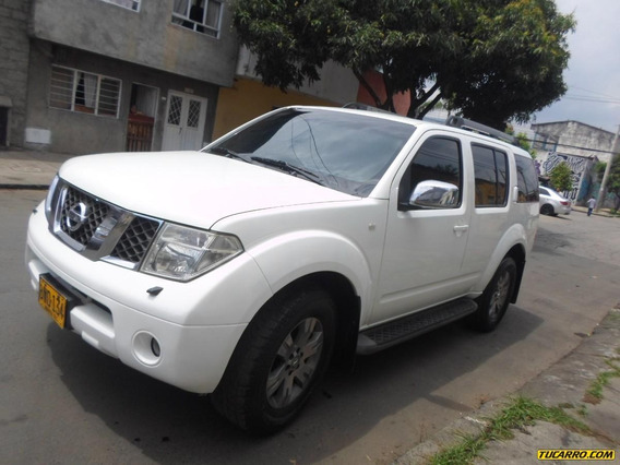 Nissan Pathfinder At 4000cc