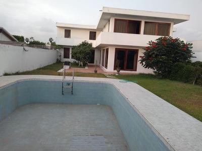 Casa Con 4 Dormitorios Con Baño Y Dos Habitaciones Dobles
