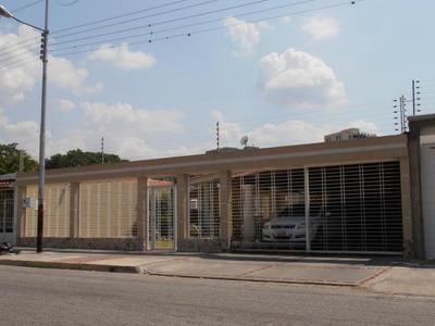Casa En Venta En Urb San Jacinto.. 18-3528.. Jb