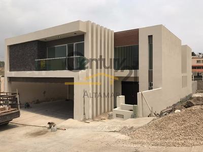 Casa Nueva Estilo Minimlista De 2 Niveles