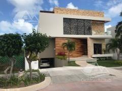 Casa En Venta En Cancun/puerto Cancun/zona Hotelera/los Canales