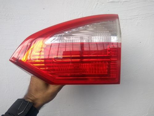 Imagem 1 de 2 de Lanterna Traseira New Fiesta Sedan 2014